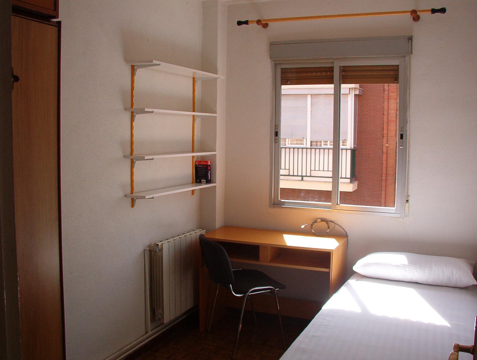 Habitaci n peque a - Armarios para habitaciones pequenas ...